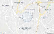 لاجار شقة 4غرف وصالون3حمامات طابق ارضي بمكة بل الخالدية لتواصل 050052335