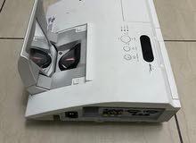 HITACHI Projector FHD High Quality