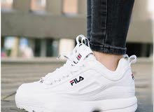 أحذية نسائية بيضاء ماركة