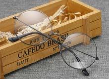 نظارات شفافة (غير طبية)