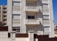 عمارة سكنية في منطقة الجبيهة خلف السيف ويه