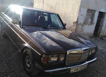 مرسيدس e200 موديل 1985