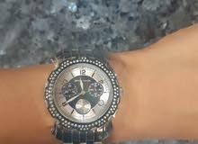 ساعة فاخرة للبيع