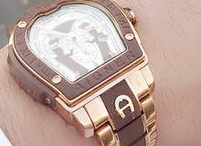 ساعة بحالة ممتازه