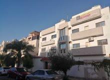 عماره مميزة للبيع الخامسة بالقرب من مسجد البيطار بسعر مميز جدا جدا