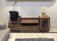 طاولة تلفزيون + مكتبة