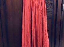 فستان سهرة اسباني حرير من 38 حتى 42 مقاس
