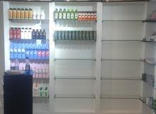 ديكور محل مواد تجميل للبيع