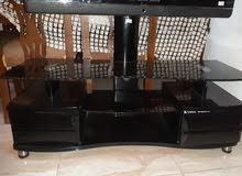 طاولة تلفزيون لون اسود