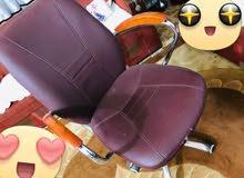 كرسي مكتبي دوار جلد اخو جديد نضافه 100% استعمال جدا قليل