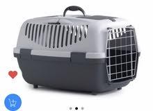 صندوق للقطط والكلاب مع حوض للفضلات