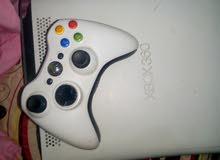 xbox360 اللون ابيض معمرة بالالعاب