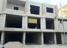 محلات تجاريه بمساحة 150 متر- شارع الحصن