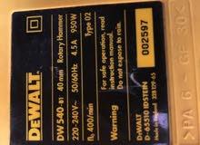 معدات دريل هلتي وجيك هامر من شركة Dewalt