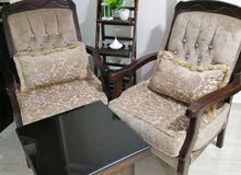 طقم كنب 7 مقاعد بحال لجديد السعر 300
