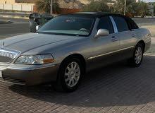 لينكولن تاون كار 2004 للبيع