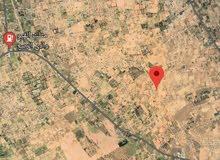 قطعة أرض 400 م للبيع في القيو