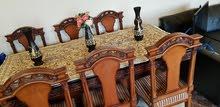 طاولة سفرة  في حالة جيدة جداً للبيع بسعر مناسب