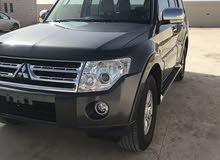 متسوبيشي باجيرو 3.8 سيارة نظيفة بدون حوادث ماشية 124,000KM2012