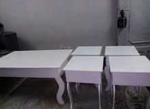 طاولات خشب بيضاء 5حبات استخدام اسبوع نظيفه
