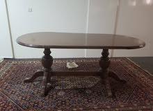 كنب ضخم جدا مثل الجديد،طاولة اجتماعات،مكتبه كبيره خشب اصلي فخم