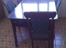 طاولة مطبخ مع خمس كراسي خشب ماليزي
