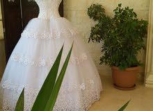 فساتين زفاف وخطوبة للبيع
