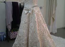 فستان زفاف وفستان ملكة وفستان اخت عريس للبيع