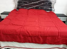 غرفة نوم جديدة بأكياسه مستعمل لمدة 6 شهور مكون من 5 قطع للبيع وقابل للتفاوض. .