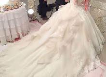 فستان عروس شك خرز طبي شاحط للبيع بسعر مغري جدا مستعمل لمرة واحدة فقط
