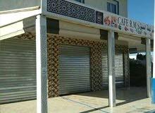 مقهى محفظة للبيع بمدينة المضيق تجزئة اليمن الجديده التي تتواجد وراء بلدية المضيق