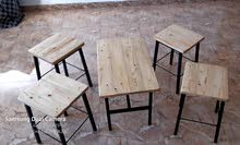الجلسه مصممه بدقه وعنايه ومتينه جدا ومضمونه متكونه من طاولة واحده بطول مناسب جدا