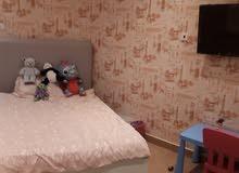 للبيع شقة تمليك في مدينة حمد الدوار الثاني يحتوي على غرفتين وصاله ومطبخ ثلاث حما