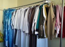 عامل مغسله ملابس يبحث عن عمل     تغلقت مؤسسه الكفيل وانا ابغا انقل وابغى اذا في