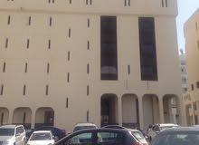 بناية راقية في حي التجاري الحيوي في روي
