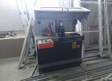 معدات مستعملة وأدوات صناعة النوافذ والأبواب الأمنيوم