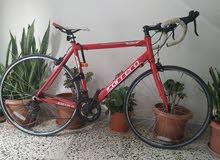 دراجة رياضية امورها 100علي 100 الاصليه من البرا جايتني