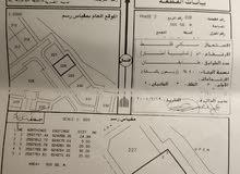 للبيع ارض سكنية في بوشر المسفاة الثالثة مفتوحة من الامام و الخلف