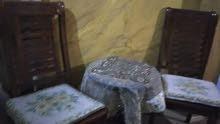 2كراسي وطاولة