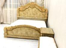 غرفة نوم سرير + خزانة 6 أبواب + تسريحة + طاولتين جانبيتنين