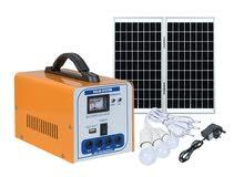 جهاز منظومة طاقة شمسية مع 4 لمبات وشواحن جوال متعددة و لوح طاقه شمسية