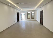 للإيجار شقة ارضية بالجابرية مساحات كبيييره
