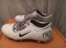حذاء كرة قدم نايك اصلي بحالة جديدة