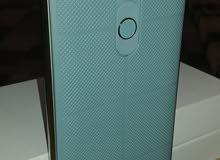 LG V10.   لون مميز جدا كارتون