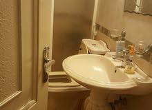 شقة للبيع  صالونان.. سفره. 3نوم.3 حمامات.. انتريه. تقاسيم حلوه بلاكين