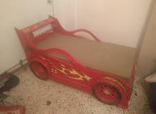 سرير بيبي شكل سيارة شامل فرشه ولحاف ومخده وغطاء فرشه