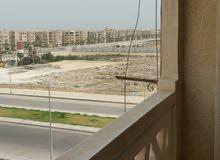 شقة جديدة للإيجار تطل على جامعة دمياط الجديدة ميدان الساعة كهرباء غاز ومياه كارت