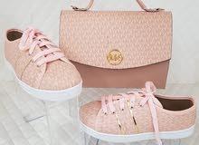 يوجد أحذية وحقائب صناعة تركية ممتازة بضاعة الله يبارك يوجد خدمات توصيل 10دينار