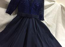 فستان لون كحلي للبيع