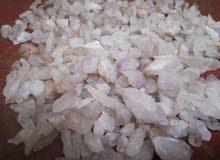 أحجار كريمه من جبال اليمن أحجار شفاففه صلبه جدا ملونه كما في الصوره